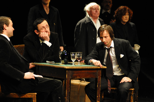 a look at anti heroism in the play hamlet by william shakespeare In fact, as the play goes along, hamlet becomes more and more like the  machievel (and less like the philosopher, the thinker) than he was in the  beginning of.